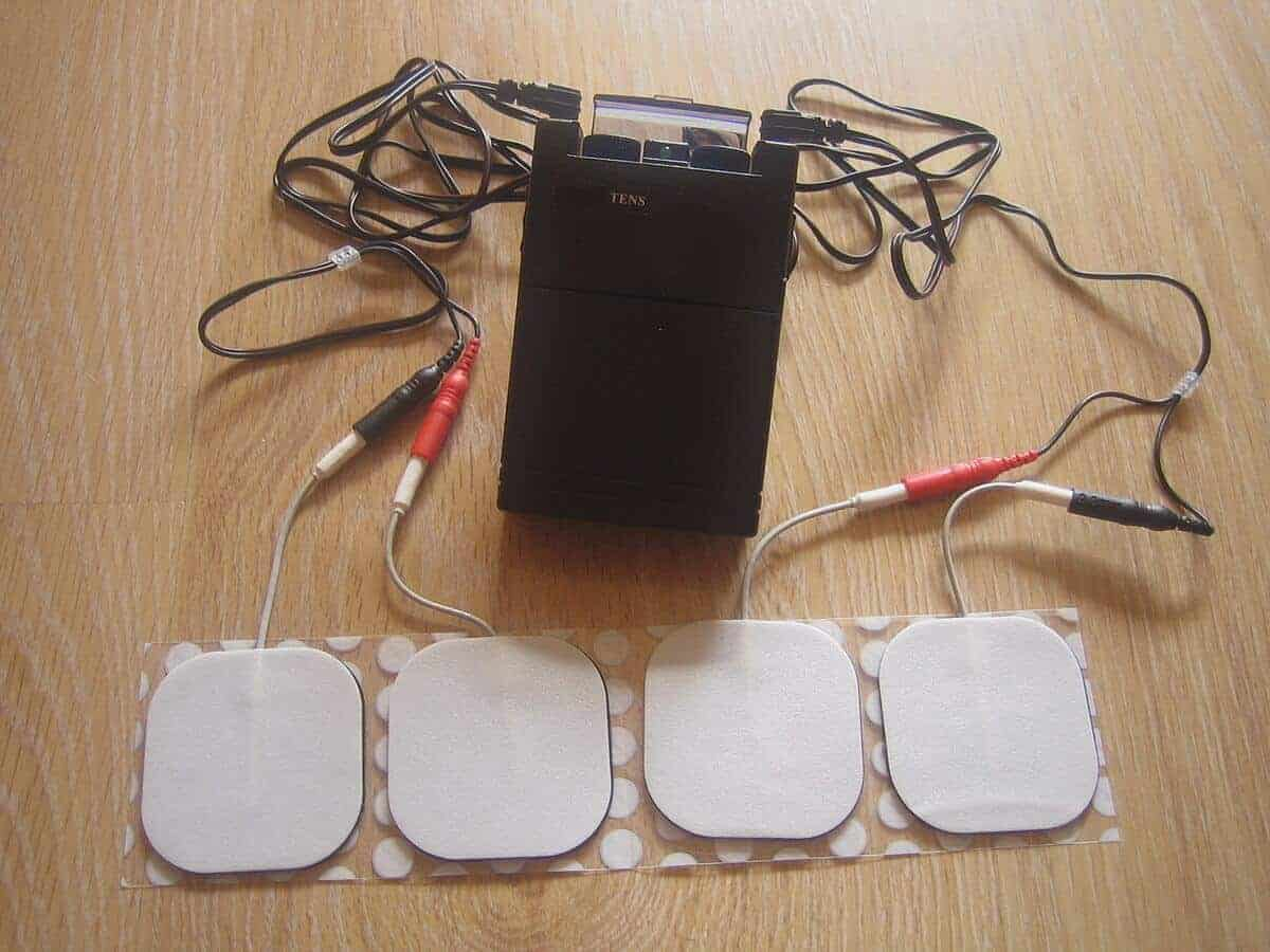 A TENS therapy device with 4 electrodes